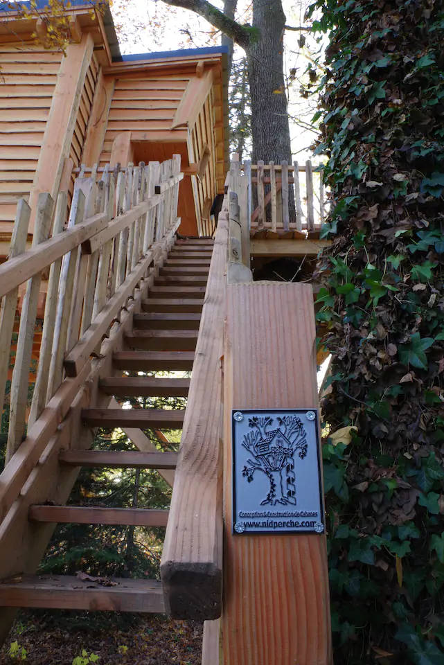 la cabane de rémi escalier